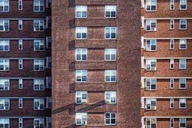 Vyplatí se ještě investovat do nemovitostí?